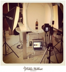 rikki-hibbert-photographt-light-tent-bottles-2