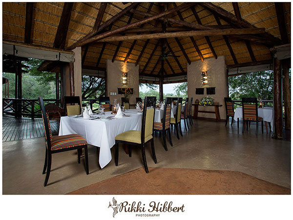 lukimbi-dining-area-rikki-hibbert-photography